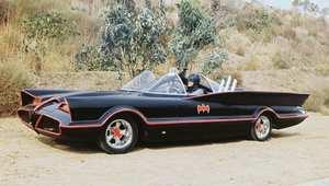 """من سيارات جيمس بوند إلى الـ """"بات موبيل""""... ألقِ نظرة على أكثر السيارات شهرة في تاريخ السينما"""