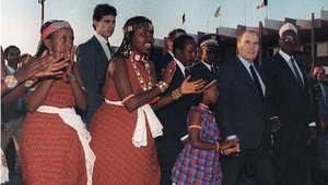 الرئيس الفرنسي الاسبق فرانسوا ميتران خلال زيارة لجيبوتي 1987