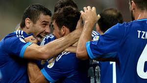 وحل المنتخب اليوناني في المركز الثاني بـ4 نقاط، بعد خسارته 0-3 أمام كولومبيا، ثم التعادل مع اليابان سلبياً، واختتم جولة المجموعات بالفوز على المنتخب الإيفواري بهدفين لهدف.