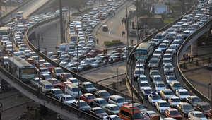 ازدحام مروري على جسر ستة اكتوبر في القاهرة