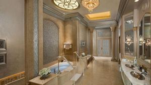 بالصور... تجوّل في الأجنحة الملكية لأفخم فنادق الشرق الأوسط