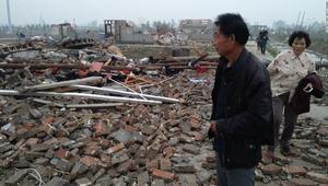 شاهد.. أعاصير وفيضانات مدمرة تقتل العشرات في الصين