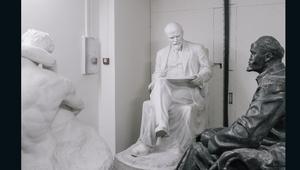 ماذا حلّ بتماثيل فلاديمير لينين في أوكرانيا بعد الثورة؟