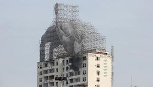 مخلوقات عملاقة تستحوذ على ريو دي جانيرو... فمن أطلقها؟