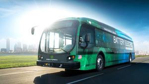 """حافلة """"proterra"""" الكهربائية تسير لـ 560 كيلومتراً دون إعادة شحنها"""