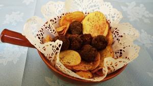 هل تعرف أن لقمة القاضي هي الحلوى الأشهر في اليونان؟
