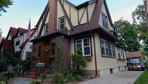 منزل طفولة ترامب معروض للبيع.. هل تريد شراءه؟