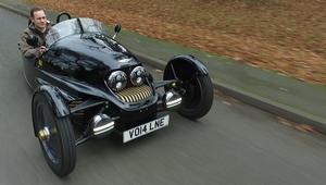 سيارة بثلاث عجلات لا تصدر انبعاثات كربونية