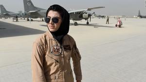 أول أفغانية تقود طائرة تحاول اللجوء لأمريكا