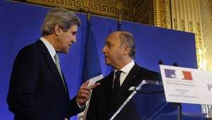 وزير الخارجية الأمريكي جون كيري ووزير الخارجية الفرنسي لوران فابيوس