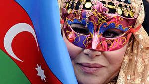كيف يمكن للتمويل الإسلامي بأذربيجان فتح منفس للاقتصاد الروسي الساعي لتنويع موارده تحت وطأة العقوبات؟