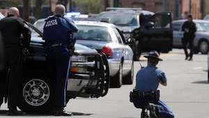 الشرطة الأمريكية تعثر على صاحب المسدس المستعمل بقتل حارس أمن جامعة على يد مفجري بوسطن