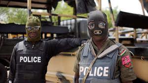 عناصر شرطة نيجيرية تشارك بمطاردة بوكو حرام