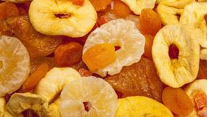 هل الفاكهة المجففة جيدة أم سيئة؟
