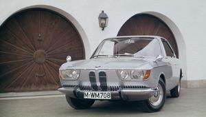 تسع سيارات كلاسيكية