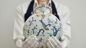 لماذا يُباع الخزف الصيني بالملايين؟