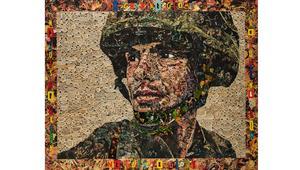 الجندي في الصورة يحكي قصة الثمن الحقيقي للحروب