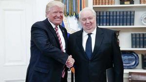 وسط زوبعة سياسية لتعاملاته مع إدارة ترامب.. سفير موسكو في واشنطن يغادر منصبه
