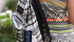 حقيبة ظهر ذكية ترتبط بوسائل التواصل الاجتماعي