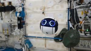 """شاهدوا طائرة اليابان الظريفة """"Int-Ball"""" في الفضاء"""