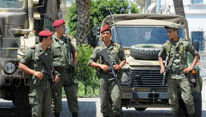 """تونس.. ضحايا """"عملية ثكنة بوشوشة"""" ترتفع لـ8 قتلى بينهم المهاجم و10 جرحى"""
