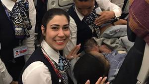 طفلة تُولد على طائرة تركية فوق ارتفاع 13 ألف متر