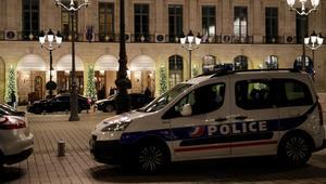 شاهد.. لصوص يسرقون مجوهرات بملايين الدولارات في باريس