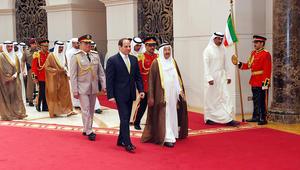 """السيسي يواصل جولاته الخليجية في الكويت والبحرين.. وبكري يلمح لـ""""قوة عربية مشتركة"""""""