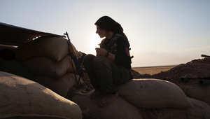 """لماذا تقاتل النساء ضد """"داعش"""" ؟"""