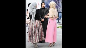 الموضة المحتشمة.. أبرز إطلالات