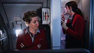 ماذا يحدث حقاً خلف كواليس رحلات الطيران؟