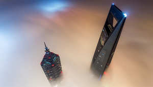 متسلقو الجيزة يحدثون ضجة في هونغ كونغ