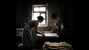 كيف هي الحياة في قرية فقدت رجالها؟