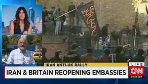 وزير الخارجية البريطاني يصل إيران بأول زيارة على المستوى الوزاري منذ 2003