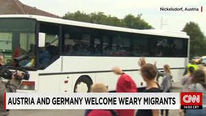 وزير الداخلية النمساوي: 11 ألف لاجئ دخلوا البلاد منذ السبت.. والبابا فرانسيس: الفاتيكان سيستقبل عائلات لاجئة وأدعو كل دير ومركز ديني لفعل ذلك