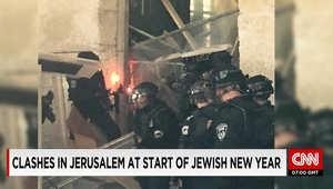 الشرطة الإسرائيلية: اشتباكات مع شبان عرب بالمسجد الأقصى بعد معلومات عن تجمع لمتظاهرين مقنعين في الموقع
