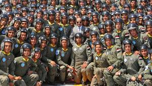 """السيسي: الجيش المصري من الشعب.. """"جيش بتاعه"""".. """"جيش ليه"""""""