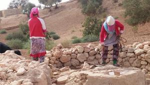 في قرى بالمغرب.. الحصول على شربة ماء يتحوّل إلى قطعة عذاب