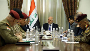 """العبادي يأمر الأجهزة الأمنية العراقية بـ""""حماية المواطنين من التهديد"""" بإقليم كردستان"""
