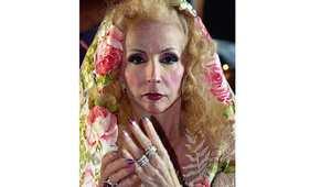 الفنانة صباح خلال حضورها مهرجان الاسكندية الدولي للموسيقى 29 يونيو/ حزيران 2003