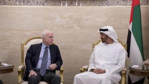 محمد بن زايد وماكين يبحثان جهود مكافحة تمويل الإرهاب في المنطقة