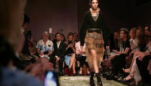 كيف تغيرت عروض الأزياء منذ 120 عاما وحتى اليوم؟