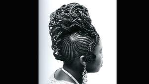 تسريحات الشعر الأفريقية تبعث برسائل حب لنيجيريا