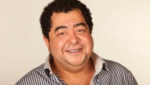 لماذا تحرص على المشاركة في المسلسلات الإذاعية مع النجم محمد هنيدي؟