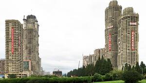 من اسمنت ممل إلى تصاميم صاخبة.. هكذا تحولت شوارع كوريا الشمالية