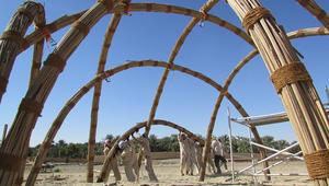 تقنيات البناء التقليدية هذه لا تزال تستخدم حول العالم وتعلم المعماريين الاستدامة!