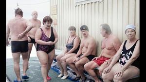 هل لديك جرأة الفنلنديين للسباحة في درجات حرارة تحت الصفر؟