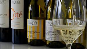 طعام شهي ونبيذ فرنسي ومناظر خلابة.. هنا تمضي أجمل عطلة سياحية