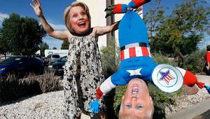 أكياس بلاستيكية وحيوانات وأقنعة..أجواء التصويت للانتخابات الأمريكية
