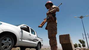 مسؤول يمني لـCNN: تفجير سيارتين بموقع تابع لمليشيات حوثية يوقع 31 قتيلا منهم 20 طفلا